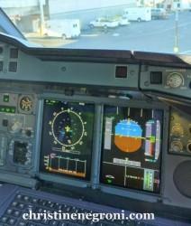 A380cockpitemiratesatJFK-212x250