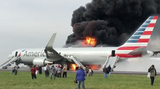 american-airlines-fire-in-chicago