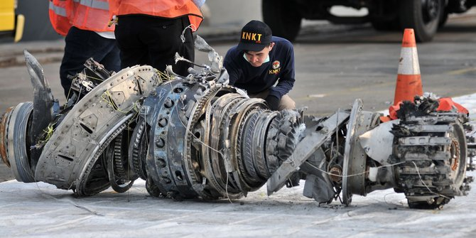 [Image: Lion-Air-wreckage.jpg]